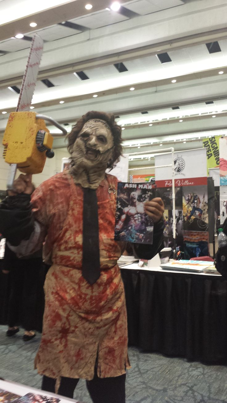 Leatherface knows a good graphic novel when he sees one.