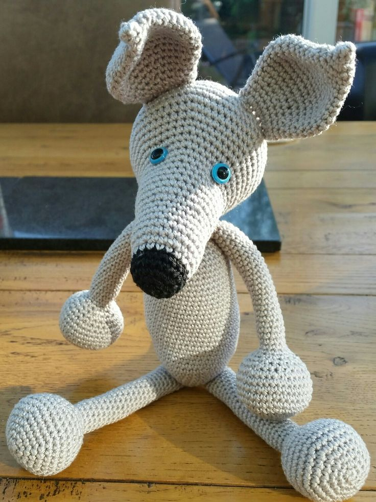 crocheted crochet whippet greyhound lurcher sighthound dog that I donated to Iheartwhippets Christmas auction 2016