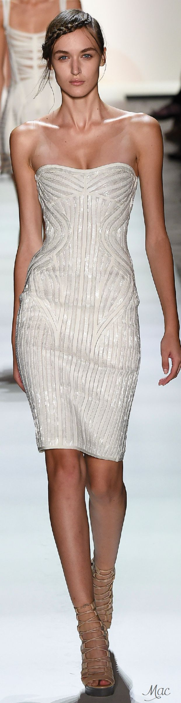 Spring 2016 Ready-to-Wear Hervé Léger by Max Azria