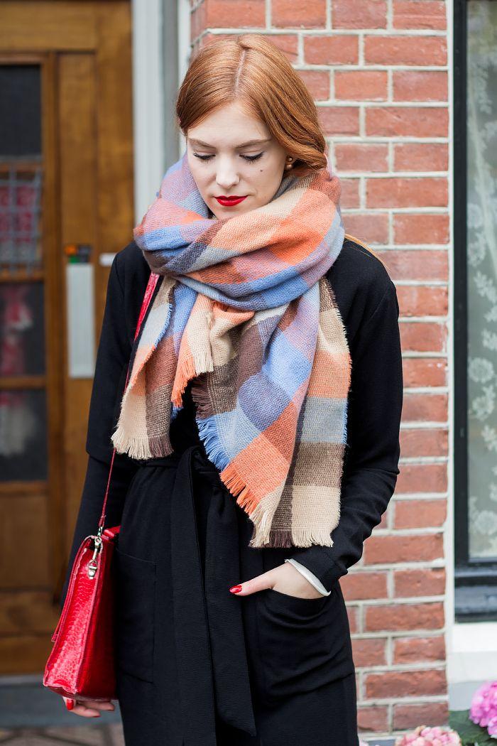 Outfit | With & Without Coat - long coat Shoeby , plaid pastel scarf @Primark, earrings Karma - Retro Sonja Fashion Blog - www.retrosonja.com