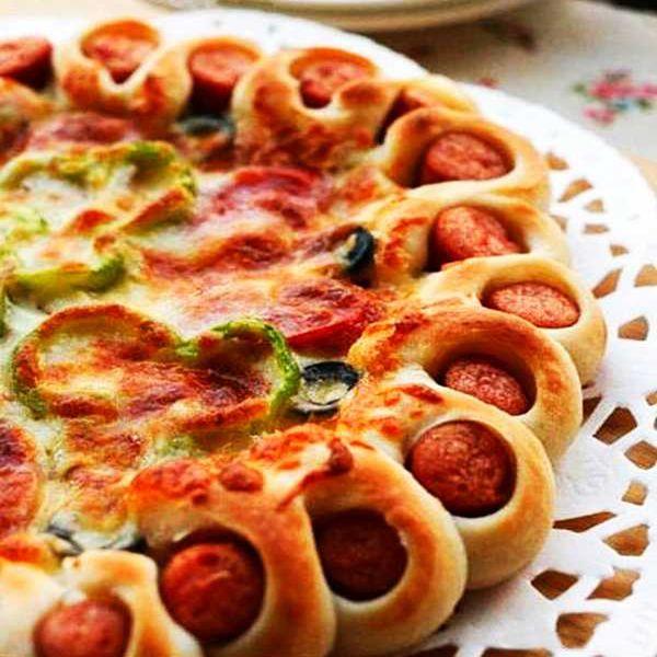 Картинки по запросу пицца с сосисками по краям