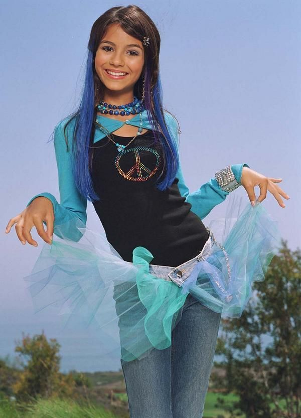 """Victoria Justice starred on Nickelodeon's """"Zoey 101"""" as Lola Martinez from 2005-2008. She now stars on the Nick show """"Victorious"""""""