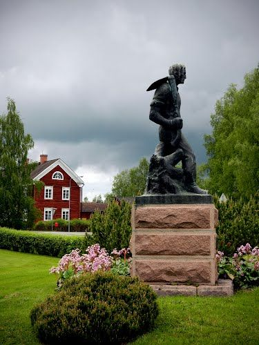 Raivaajapatsas ja Yli-Lauroselan talomuseo llmajoella Panoramio - Photos by rai-rai > Ilmajoki