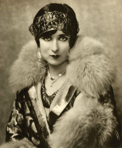 Mildred Harris, 1926 first wife of Charlie Chaplin (1918–1920; divorced)