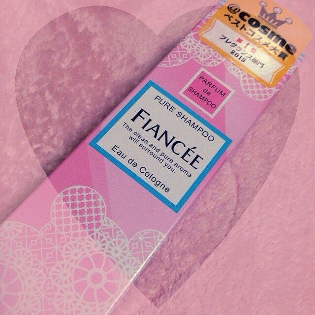"""良い匂いすぎる!これはモテる!と巷で噂になっている香り、FIANCEE(フィアンセ)の""""ピュアシャンプーの香り""""シリーズ。爽やかで程よく甘く清潔感たっぷりのシャンプーの香りは、男性ウケ抜群。もちろん女ウケも◎今回はピュアシャンプーの香りの商品を全部ご紹介致します。この香りを纏えばモテちゃうかも!?♡"""