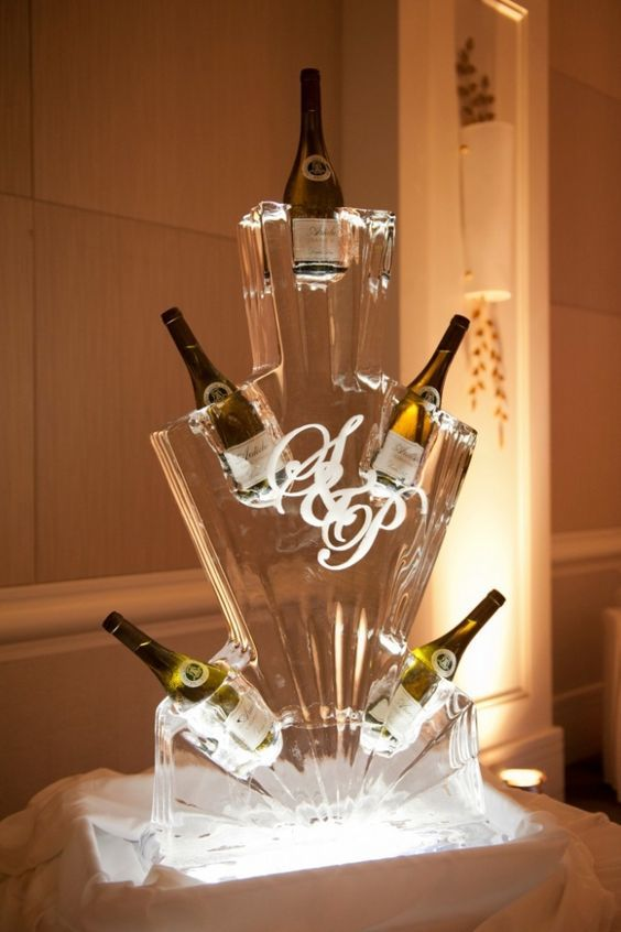 Photo: Jasalyn Thorne Photography; Wedding reception idea;