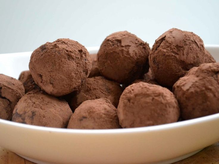 French Chocolate Truffles - This filling reminds me of the Lindt Chocolate balls I had yesterday... YUM