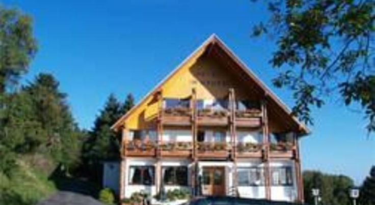 Hotel Im Hagen Königswinter Boasting quick connections to Cologne and Bonn, this country-style hotel in Königswinter is set at the foot of the Ölberg mountain in the heart of the Siebengebirge, Germany's oldest reserve.