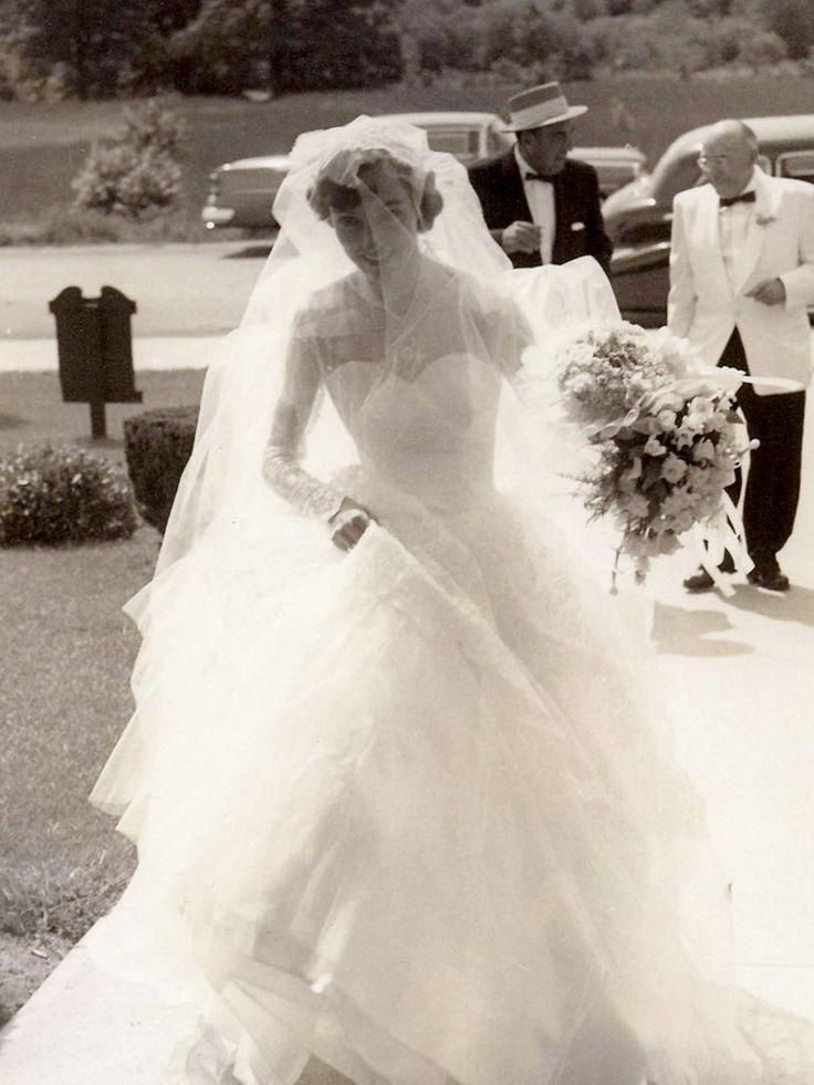 Most popular 1950s bride Chic Vintage Brides – 3rd Blogiversary