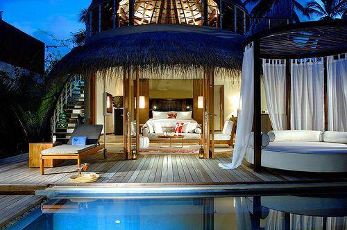 livin in paradise nice houses big houses backyards pool pretty