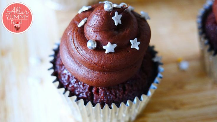 These amazing festive chocolate vodka cupcakes are incredible. Try something new, these are some boozy cupcakes and they taste great. These beautiful Chocola...