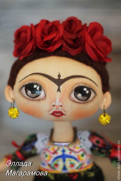 Купить или заказать Интерьерная  текстильная кукла Фрида Кало. в интернет-магазине на Ярмарке Мастеров. Интерьерная текстильная кукла Фрида Кало. Одна из моих любимиц, рожденная на одном дыхании, под впечатлением от жизни и творчества яркой женщины. Куклы несут глубинный смысл. А такие, как интерьерная кукла Фрида Кало, особенно. Это текстильная кукла, олицетворяющая силу духа женщины. В ее огромных глазах целый мир и сила жизни, главенство женского начала.