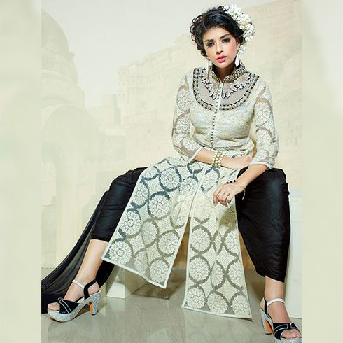 Types Of Ethnic Suits For A Cosy & Traditional Sunday Brunch | Fashion Tips - Indiarush