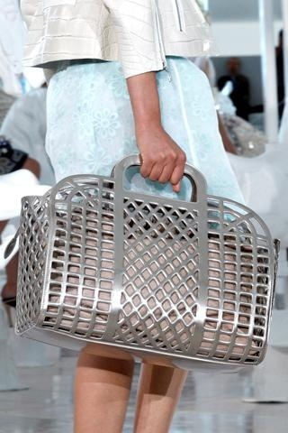 Chic Louis Vuitton s/s 2012 handbag