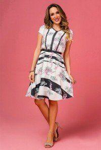 180664203 modelo cabelo loiro veste vestido evase manga curta floral jany pim padrao