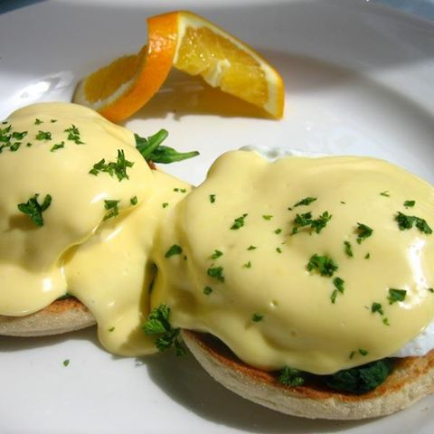 Foto: THERMOMIX HOLLANDAISE SAUCE Read the Recipe ► http://www.thermomix-recipes.com/2012/04/thermomix-hollandaise-sauce-recipe.html Did you know you can prepare a quick and effortless Hollandaise Sauce at home with your Thermomix? I've gathered all the recipes on the web to provide you with all the possible ways of making this luscious buttery sauce.