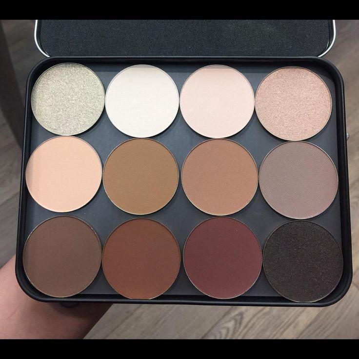 Makeup forever palette. Shadows: 504, 530, 532, 520, 534, 660, 646, 548, 630, 656, 608, & 622.