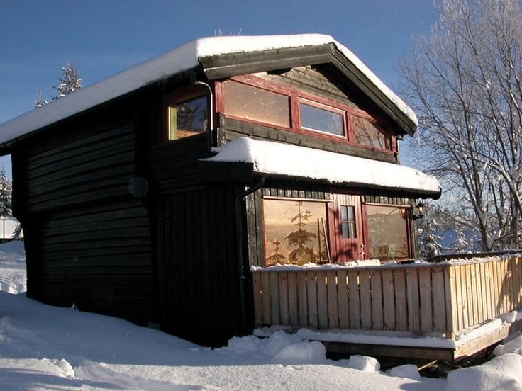 Cabin near Golsfjellet. The mountain farm ´Jondalen Fjellgård´ has an undisturbed location in the mountain area of ´Golsfjellet´, approx. 700 metres above sea level.