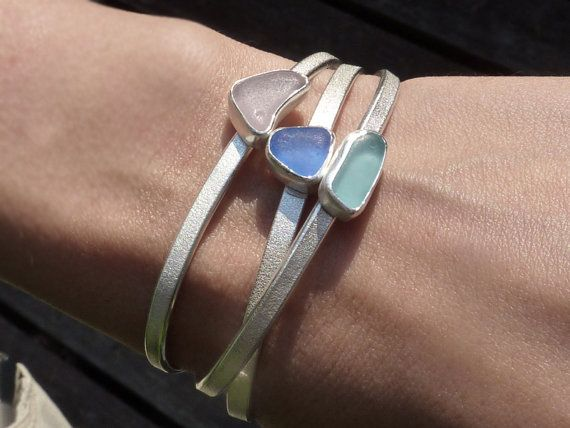 Hey, I found this really awesome Etsy listing at https://www.etsy.com/listing/170014705/bangle-seaglass-bracelets