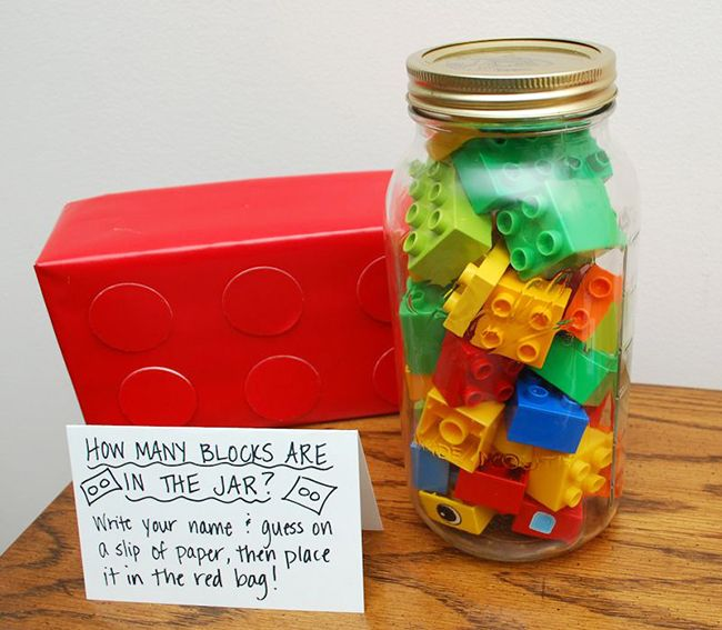 Guess the number of LEGO bricks in the jar