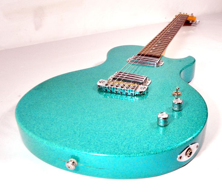 brownsville thug turquoise sparkle electric guitar the. Black Bedroom Furniture Sets. Home Design Ideas