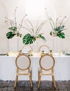 A hint of tropical to a modern wedding with pops of metallic!