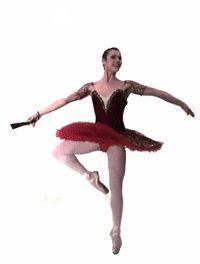 μπαλαρίνα με κόκκινο φόρεμα