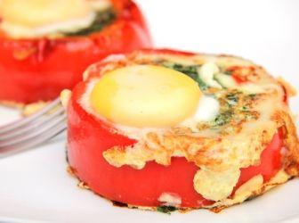 Spenótos tojás recept kaliforniai paprikában: Kiváló reggeli, vagy meleg előétel! Egyszerűen mennyei! ;)