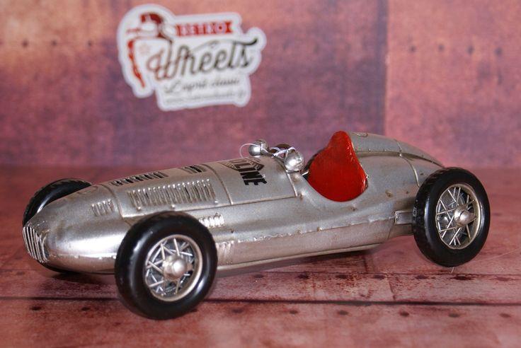 """Miniature auto métal vintage  voiture de course type """"cigare""""sur Retro Wheels http://www.retrowheels.fr/miniatures-autos/212-modele-reduit-metal.html"""