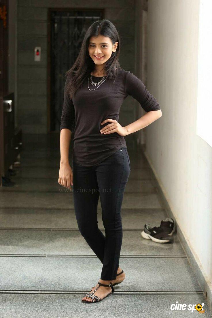 Hebah Patel Latest Photos (8)