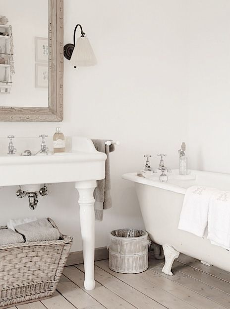 1000+ ideas about French Country Bathrooms on Pinterest  Country Bathrooms, French Country and ...