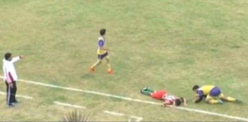 VÍDEO | Muere futbolista tras recibir golpe en partido...