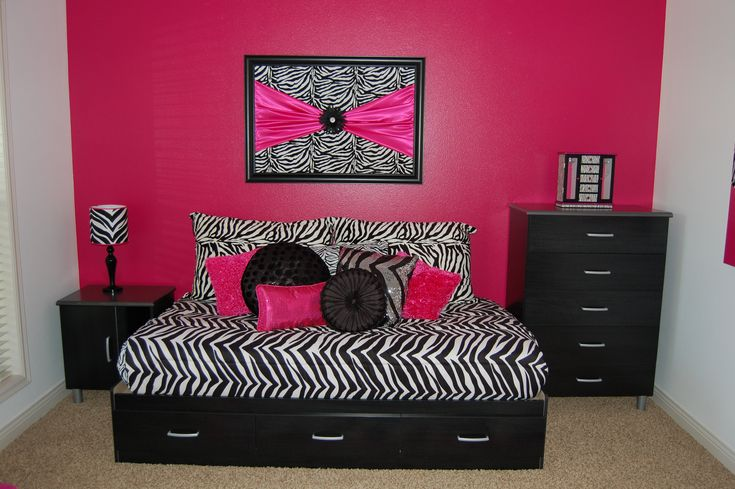 Girls zebra room with hot pink bedroom pinterest for Pink zebra bedroom ideas