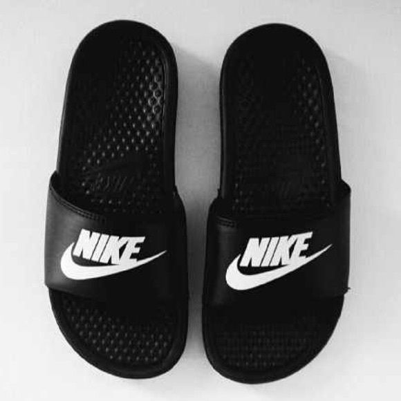 Bundle for aidettec Used great condition Nike Shoes Slippers