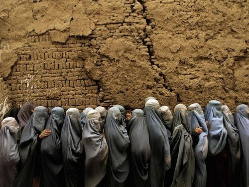 ...   AFGHANISTAN. 2004. Voting during Afghan Presidential Elections by Christoph Anderson