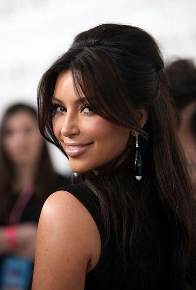 Kim Kardashian #long #bangs #half up