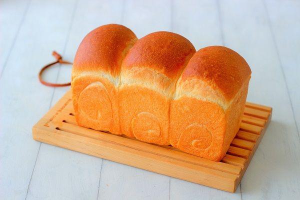 """ふんわりしっとりな湯だね食パン - はじめてでも簡単♪あいりおーの""""毎日つくりたくなる""""おうちパン レシピブログ -料理ブログのレシピ満載!"""
