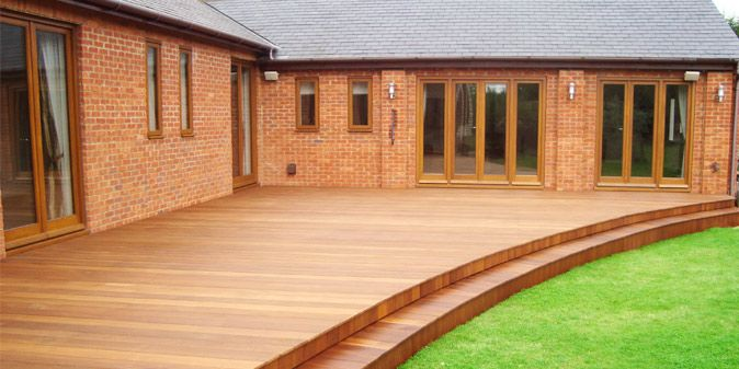 tdc_curvedwide_spacious_decking.jpg 674×337 pixels