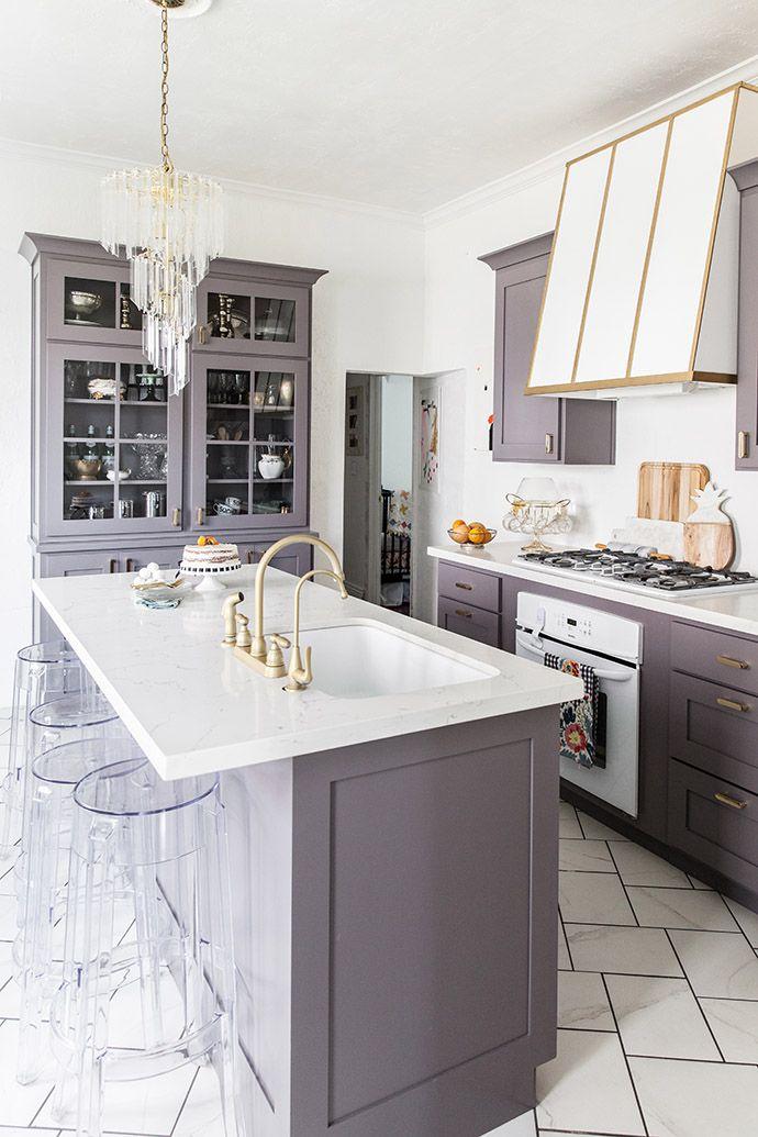 An Elegant But Easy-Going Kitchen Makeover