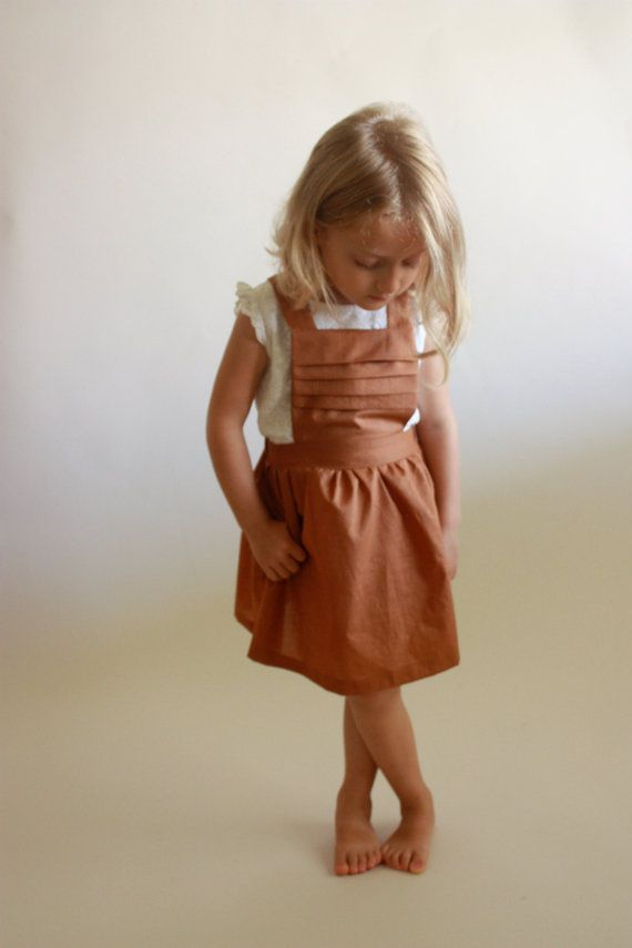 Schoolhouse Pinafore / PDF sewing pattern / sizes toddler 12m to girls 10/12 / Instant download von OonaPatternCo