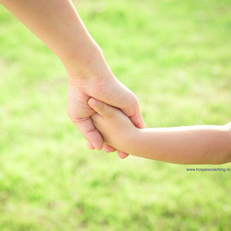 ouderbegeleiding. Soms weet je het even niet meer hoe je met het gedrag van je kind het beste kan omgaan, of de gedachten die je kind heeft.