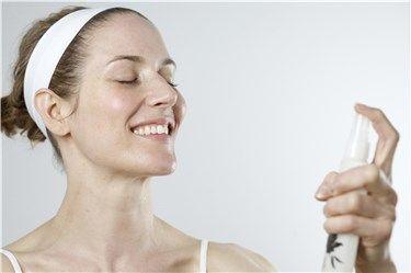 Brumas hidratantes y refrescantes para la piel de tu rostro
