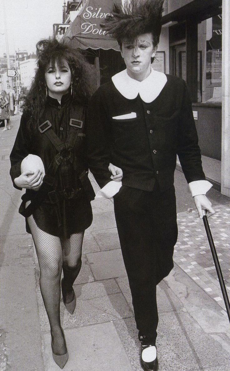 Steve Strange circa 1981 (COVENT Garden).  The epitome of high fashion from The Valleys ...