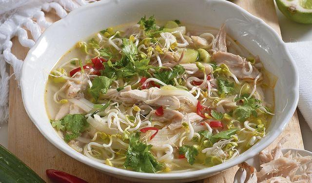 Vietnamská kuracia polievka | DobreJedlo.sk