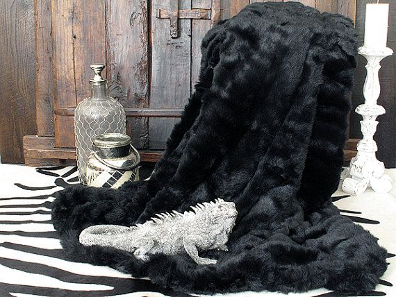 Faux Fur Throw Black Panther with grey faux-suede by Furthrows