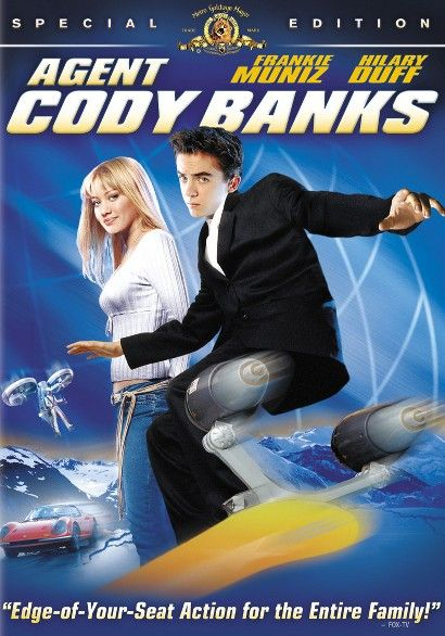 A government agent trains Cody Banks in the ways of covert operations that require younger participants.