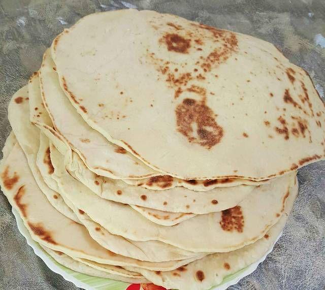 طريقة عمل خبز الصاج Egyptian Food Middle Eastern Recipes Food To Make