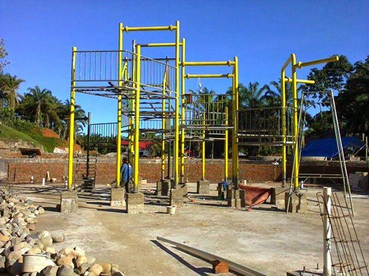 Kontraktor Waterpark: PROSES INSTALASI WATER HOUSE/ KOLAM ANAK