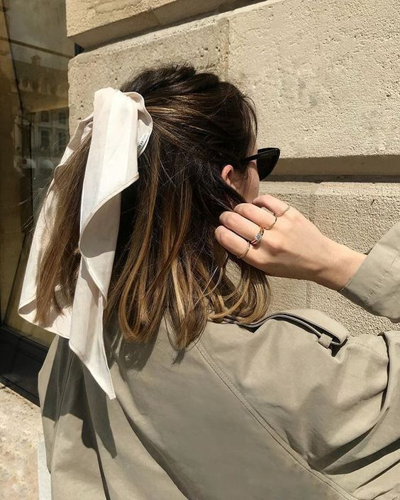 Scarf Hairstyles, Pretty Hairstyles, Hairstyle With Bow, Bandana Hairstyles Short, Messy Hairstyle, Hairstyles Videos, Simple Hairstyles, Everyday Hairstyles, Braided Hairstyles