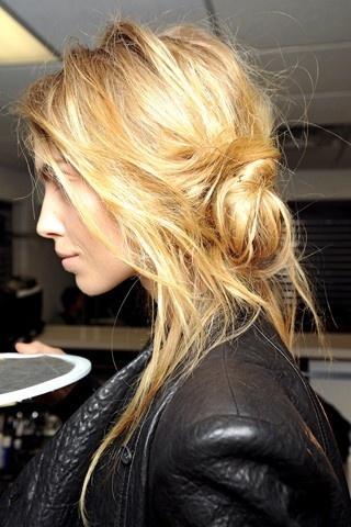 #hairstyle #hair: Messy Hair, Beds Head, Long Hair, Hairstyle, Messy Buns, Hair Style, Hair Looks, Hair Color, Side Buns